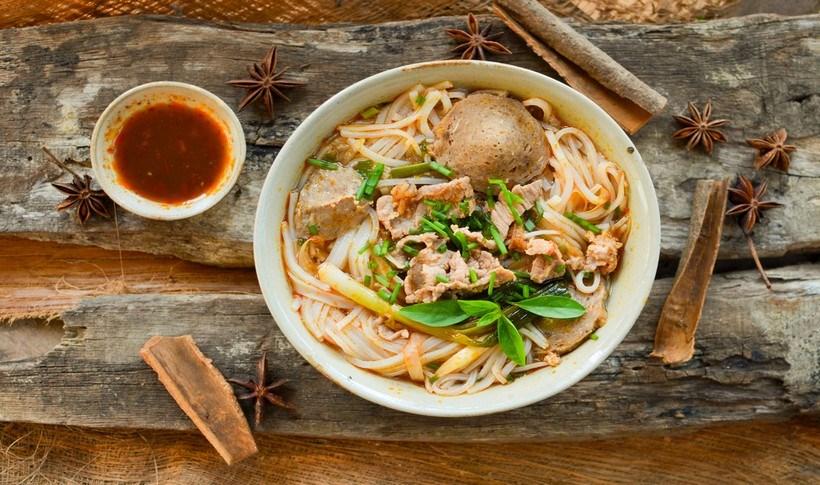 Βιετναμέζικη σούπα Pho με γαλοπούλα