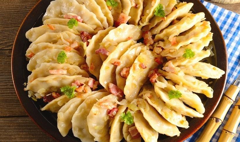 Πολωνικά γεμιστά ζυμαρικά (pierogi)