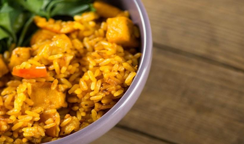 Πικάντικο τηγανητό ρύζι με καρότο