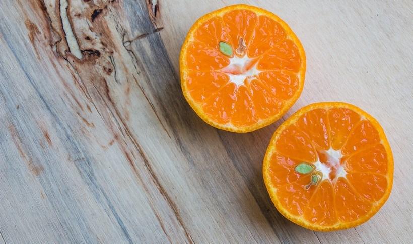 Φέτες πορτοκαλιού με μέλι, φιστίκια και καρύδα