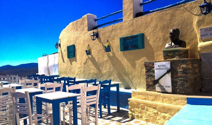 Σύρος: Τα πιο ρεμπέτικα τραπέζια της