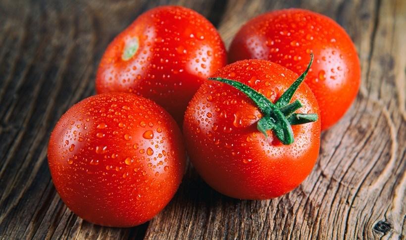 Πώς να ξεφλουδίσω εύκολα τις ντομάτες