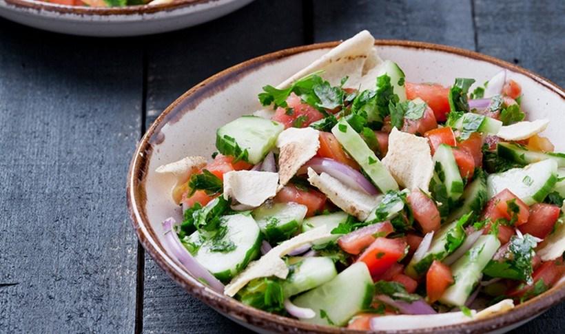 Λιβανέζικη σαλάτα Φατούς