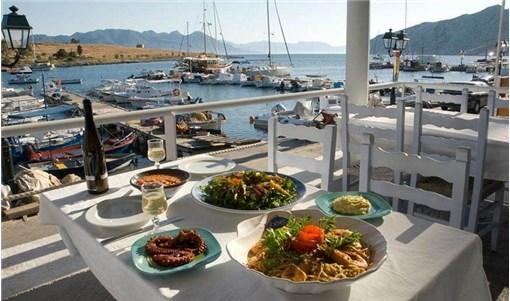 Αίγινα: 8 νόστιμες στάσεις για φαγητό