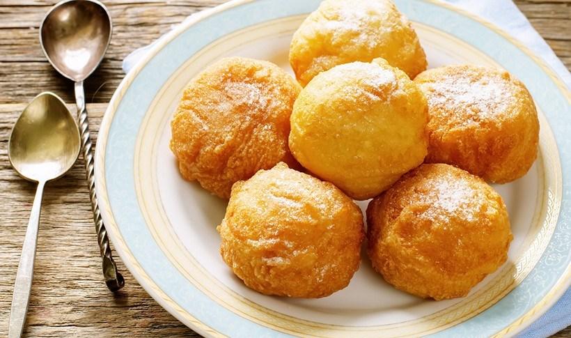 Τηγανητές μπάλες κατσικίσιου τυριού με μέλι