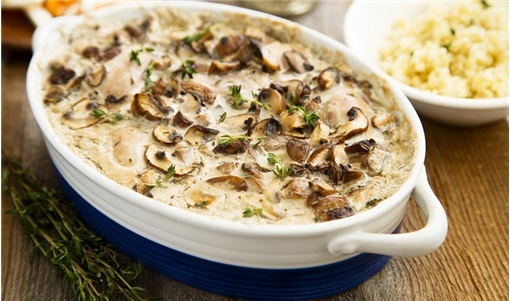 Κοτόπουλο με μανιτάρια αλά κρεμ στο φούρνο