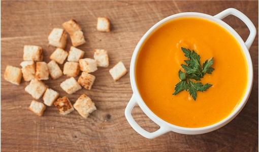 Σούπα καρότου με τζίντζερ και πορτοκάλι