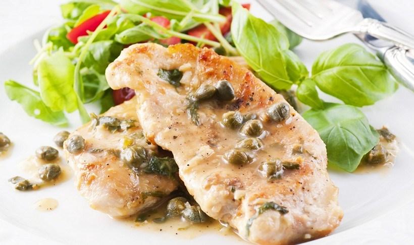 Κοτόπουλο με σάλτσα λεμονιού και κάππαρης (piccata)