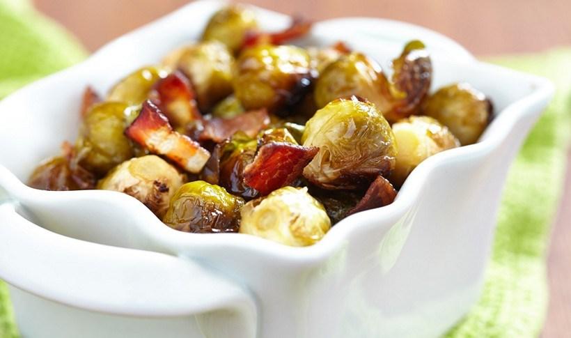 Λαχανάκια Βρυξελλών στο φούρνο με σκόρδο και μπέικον
