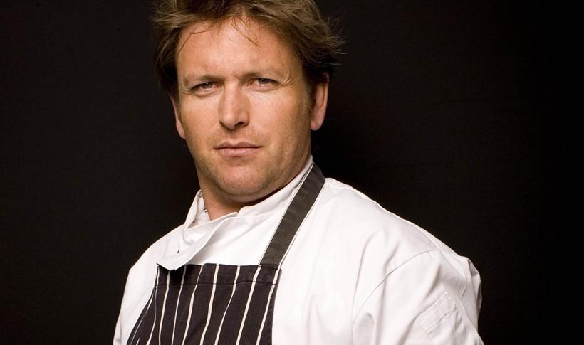 Χοιρινά παϊδάκια με σάλτσα BBQ από τον James Martin, σεφ του «James Martin Manchester»