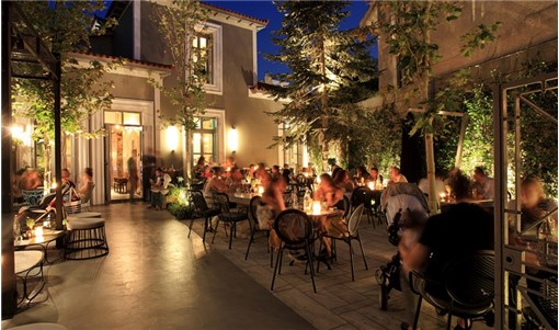 Αθήνα: 6 ωραία μπαρ για να βγεις στα Βόρεια αν έχεις περάσει τα 40