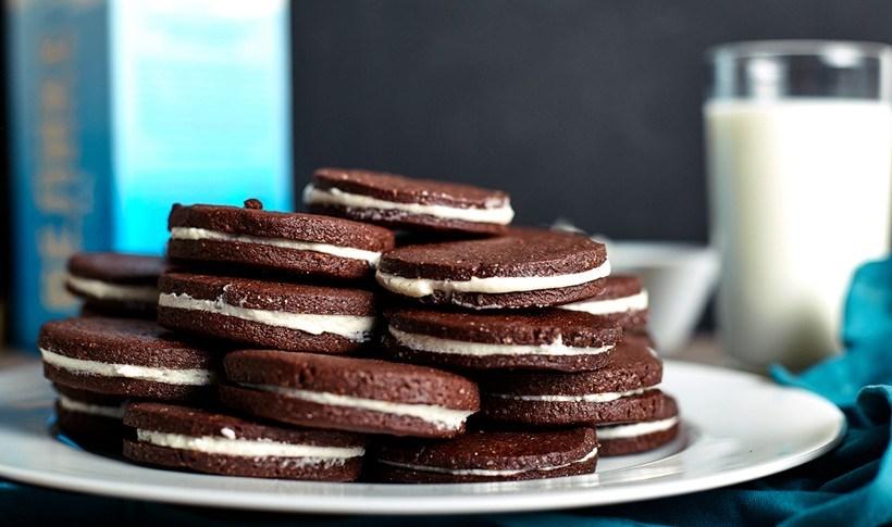 Μπισκότα σοκολάτας γεμιστά με κρέμα
